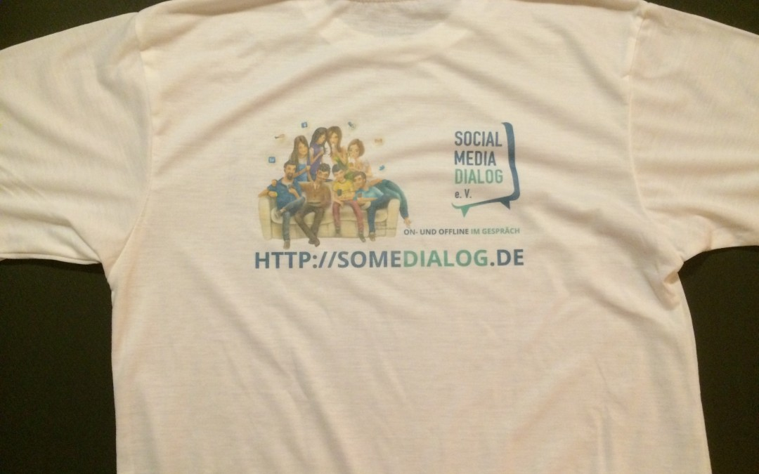 Social Media Dialog e. V. T-Shirt mit Vereinslogo